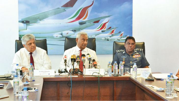 The new Board of directors of SriLankan Airlines headed by Ex UDA Chairman cum Banker,  Ranjith Fernando and Board members, Mano Thittawella, Susantha Katugampola, Dr. Roshan Perera and Air Marshal Kapila Jayampathy at the event. Picture by Sarath Peiris