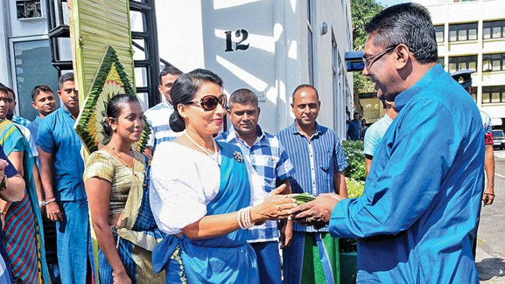 Sri Lanka Air Force Commander Air Marshal Kapila Jayampathy being welcomed by SLAF Seva Vanitha Unit Chairperson Anoma Jayampathy.