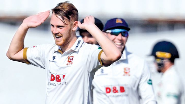Essex pace bowler Jamie Porter had match figures of 9-80 v Lancashire