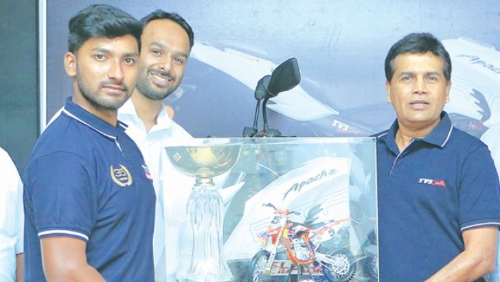 Ishan Dasanayake with the TVS trophy