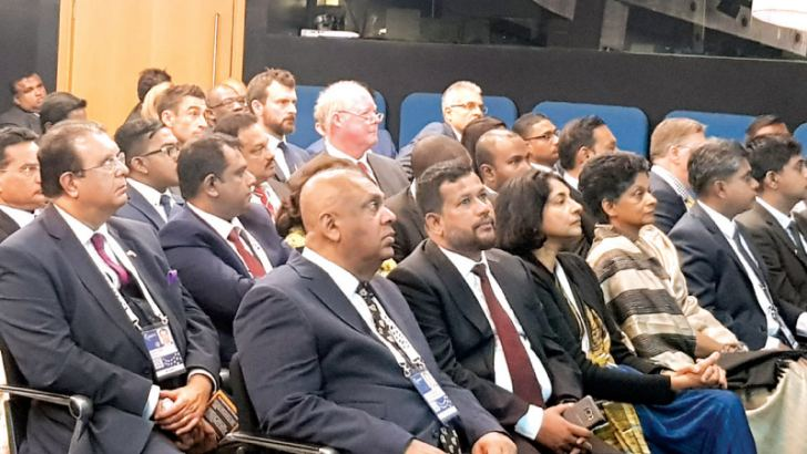 Members of Sri Lankan delegation with Ministers Mangala Samaraweera and Rishard Bathuideen at Sri Lanka Breakfast Networking Session by Commonwealth Enterprise and Economic Council held on April 18 in London.