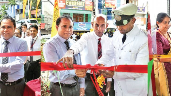 People's Bank opens Self-Banking Units at Kandy, Gampola and Nawalapitiya Railway Stations