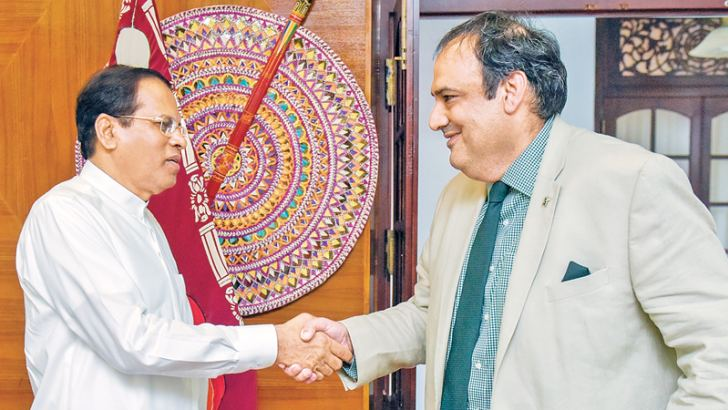 President Maithripala Sirisena with a Pakistani investor. Picture by President's Media.