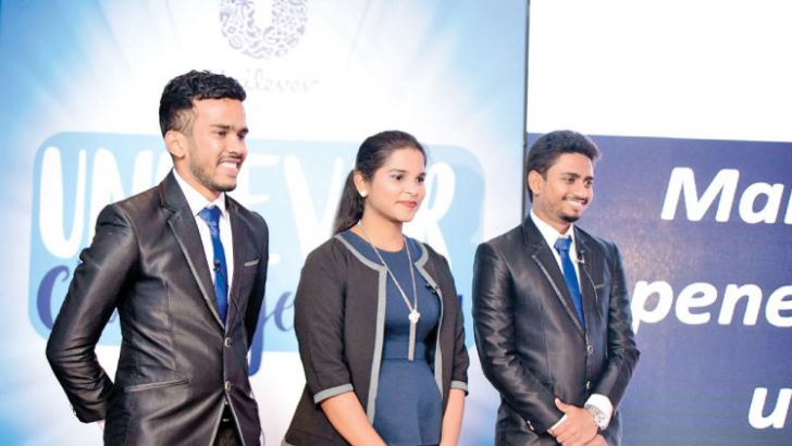 Umendra Abeynayake, Nayomi Fernando and Madusha De Silva of Team Innovints from the University of Sri Jayewardenapura, winners of Unilever Challenge 2017