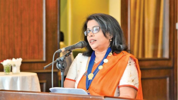 Newly elected Chairperson of CILT Sri Lanka, Gayani De Alwis addressing the gathering