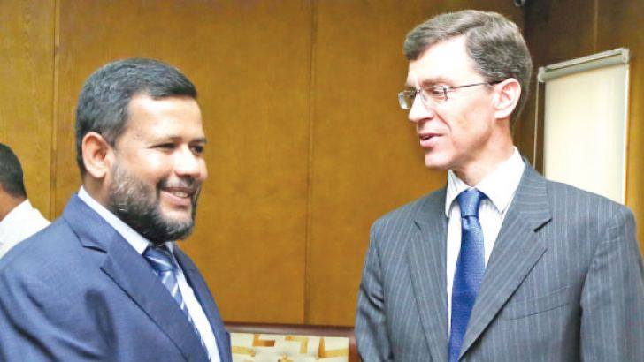 Minister of Industry and Commerce Rishad Bathiudeen meets the British High Commissioner to Sri Lanka James Dauris on April 25 in Colombo