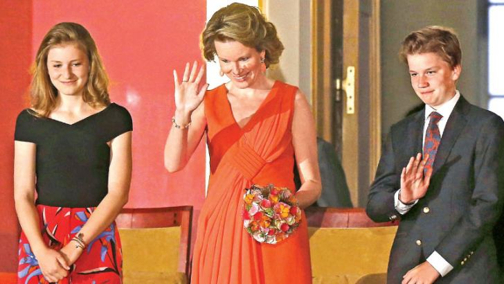 Crown Princess Elisabeth, Queen Mathilde of Belgium and Prince Gabriel waves during the last session of the finals of the Queen Elisabeth Competition for Voice 2018 at the Brussels' Bozar