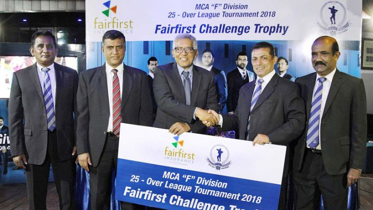 Dr. Sanjeev Jha Managing Director and CEO of Fairfirst Insurance Limited handing over the sponsorship package to the President of the MCA, Roshan Iddamalgoda. Also present at in the picture are, Niranjan Nagendra General Manager Sales & Marketing and Sasith Bambaradeniya Head of Marketing & Digital Solutions from Fairfirst Insurance Limited, from MCA: Vice President cum Chairman Sponsorship Committee Rohana Dissanayake, General Secretary, Nalin Wickremesinghe and Exco and Tournament Committee Member Sirosha
