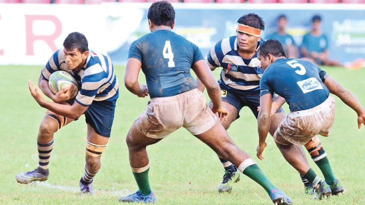 St. Joseph's College flanker Dilshan Kelaniyagoda with the ball. Pic by Wasitha Patabendige