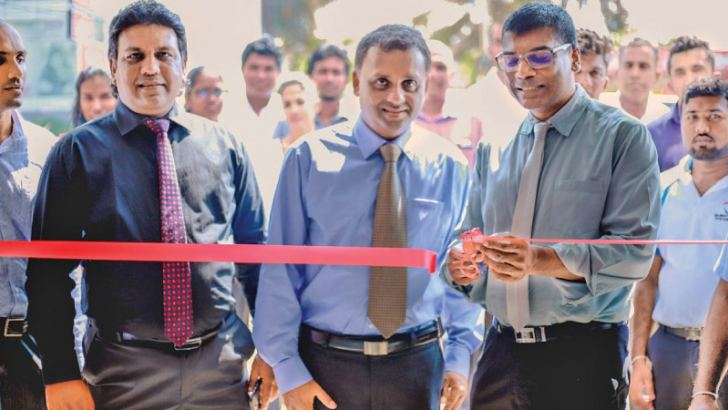Chandima Udabage Chief Executive Officer, Dr. P.L. Suren Peter Director and Nomal Wijeyaratne Chairman of Quantum Fitness at the opening.