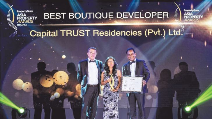 Steven Mayes, JLL, a member of the panel of judges, Minoli Wickramasinghe, Managing Director Capital TRUST Residencies (Pvt) Ltd.,Tushan Wickramasinghe, Chairman Capital TRUST Holdings Limited and