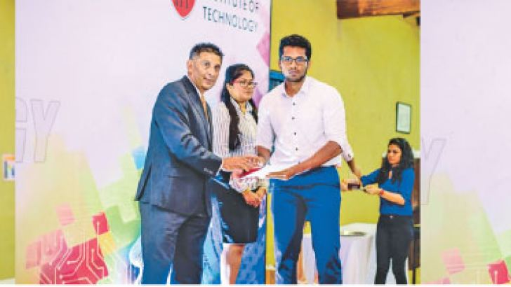 Business Innovation Awards by Virtusa  Level 6 – ISBM Gold Medal - Numee Tilakarathne, Silver Medal - Shihaan Hussain Irshad, Bronze Medal - Dilthushi Jayawardana, receiving their award from, Head of LiveOps and BSL Business Services - London Stock Exchange Ajith Dandeniya
