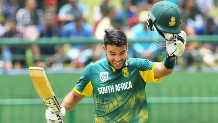Man of the Match Reeza Hendricks of South Africa celebrates his hundred on debut in the third ODI against Sri Lanka at the Pallekele International Stadium yesterday. Pictures by Susantha Wijegunasekera