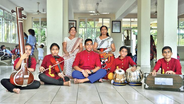Kanika Edirimanna and other participants with their music teachers.