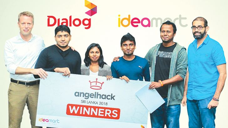 Team Wedding Makers House were awarded for their winning idea - a mobile application for wedding planning management based on the user's likes/dislikes. Dr. Rainer Deutschmann, Group Chief Operating Officer, Dialog Axiata PLC, Ishara Abeykoon, Harshi Samarasekera, Clement Fernando, Dinuka Wanasinghe and Fathhi Mohamed, Co-founder PickMe and Yoho Bed.