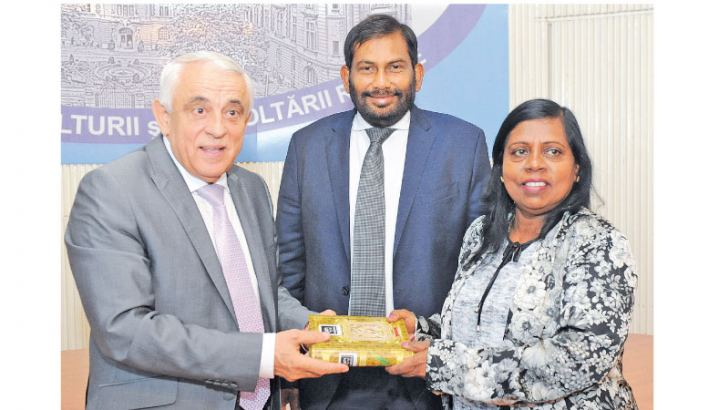 Deputy Minister, Anoma Gamage presents Sri Lankan value added spices to Minister, Petre DAEA, Minister of Agriculture and Rural Development in Romania. Minister of Social Welfare and Primary Industries, Daya Gamage looks on