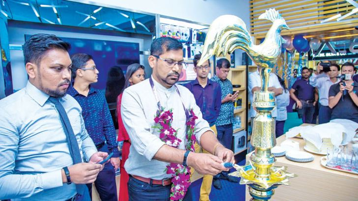 Chairman of Thunder and Neon Group opening the new branch