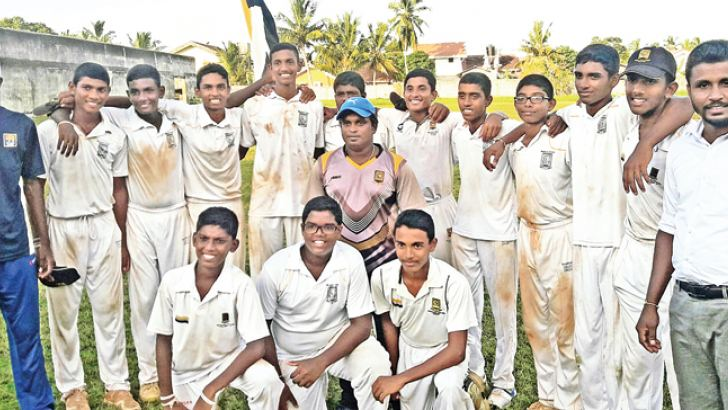 Mahanama U-15 team bag first innings honours at the quarters against St. Anne's College Kurunegala