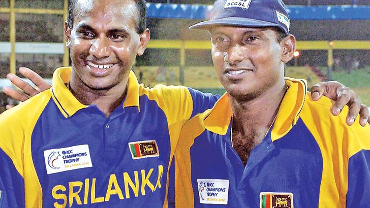 Cricketing legends Sanath Jayasuriya and Aravinda de Silva.