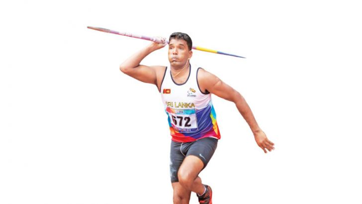 Dinesh Priyantha Herath in his record breaking javelin throw attempt. Pictures by Prince Gunasekara