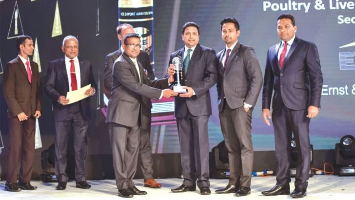 Receiving the award is Buddhika Abayakoon, Head of International Marketing, Consumer Foods Sector, and Assistant Vice President, JKH. Looking on are Sumudu Thanthirigoda, CEO of Keells Food Products PLC/ Vice President of JKH, and Chaminda Sampath Thambawita, Market Development Manager, International Markets