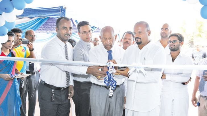 M. Parthipachuthan Director, NKD Rathnam & Co, Yasendra Amarasinghe Director and  CEO, Carmart Private Limited, Senaka Amarasinghe Chairman, Carmart Private Limited, Nallarathnam Chairman,NKD Rathnam& Co opens the Batticaloa branch.