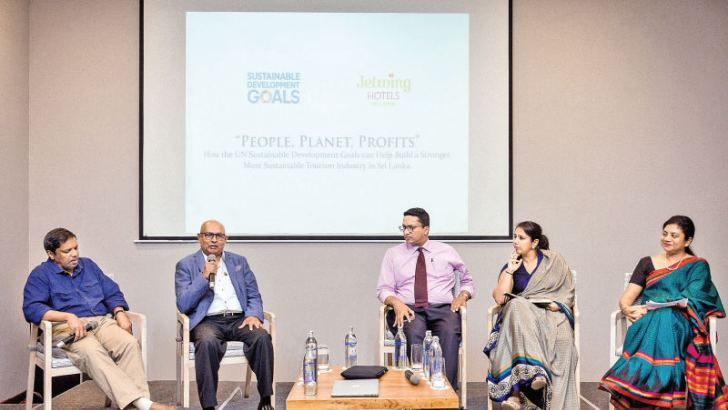 Feizal Samath, Consultant Business Editor, Sunday Times, Ranjith Pandithage, Managing Director/ Chairman, DIMO, Dilhan C. Fernando, CEO, Dilmah, Sharika Senanayake, Director, Environmental Sustainability, MAS Holdings and Tharuka Dissanaike, Policy and Design Specialist, Environment, UNDP of the Forum