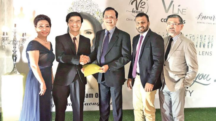 Heidi Yen Nguyen, USA Distributor of Dreamron, Le Huy Hoang, Managing Director at Distribution Company in Vietnam, Dr Priyanka Perera, Chairman Dreamron Group, Nuwan Gamage, Head of International Markets Dreamron Group, Masato Tajika, Director, Dreamron Singapore Pte.Ltd.