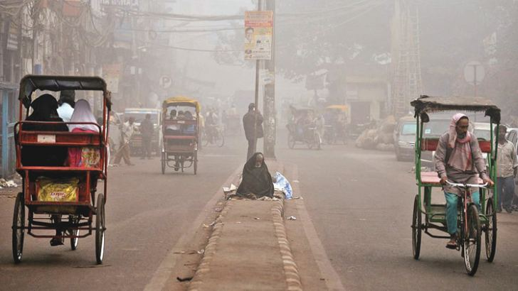 Heavy smog blanketed New Delhi on Wednesday.