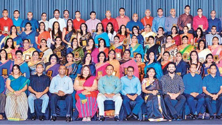 Employees at HNB who have completed over 25 years of service