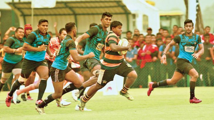 An Army attacker sprinting for a try. Picture by Wasitha Patabendige