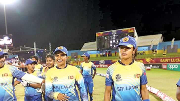 Shashikala Siriwardana (second from left front) Sri Lanka Women's standout player of Women's World T20.