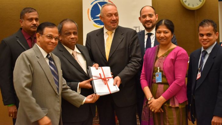 Lankan representatives with representatives of State Parties to the Mine Ban Convention.