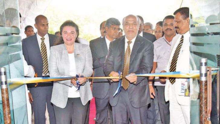 Chief Guest Minister of City Planning, Water Supply and Higher Education, Rauf Hakeem with  Country Director for the ILO in Sri Lanka and the Maldives, Simrin Singh,  Royal College Principal  B. A Abeyratna / EDEX Secretary Mahinda  Galagedara and other invites at the opening