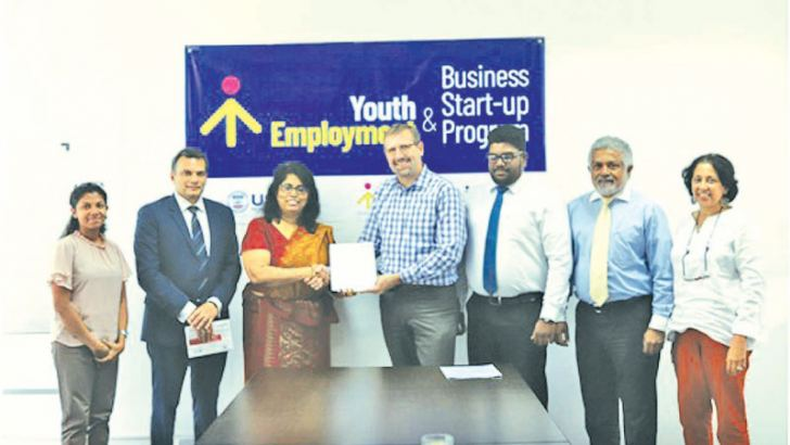 Exchanging the MOU at the signing ceremony.From left to right;Vindya Silva, Partnership Manager,YouLead; Gihan Jayasinghe, CMILT, Vice Chairman CILT-SL; Gayani de Alwis CMILT, Chairperson CILT-SL; Charles Conconi, Project Director,YouLead; Dilshan Weerasinghe, Vice Chair, YPF SL; Vasantha Dias, Secretary General CILT SL;Shehara de Silva, Partnership Director,YouLead.