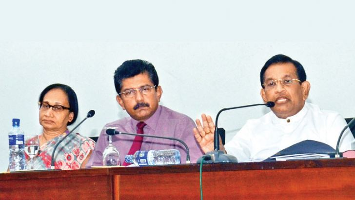 Health and Nutrition Minister Dr. Rajitha Senaratne, Health Director General Dr. Anil Jasinghe and Dr. Renuka Jayatissa at the press conference held yesterday. Picture by Wimal Karunathilake