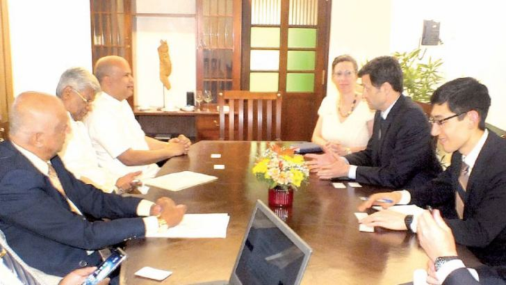 PDAS Vajda discusses with Milinda Moragoda, Founder of Pathfinder Foundation. US Ambassador Alaina B. Teplitz, Deputy Chief Political Affairs Marcus Carpenter, Press Officer Nancy VanHorn and Foreign Affairs Officer Olivier Garaud, Bernard Goonetilleke, Chairperson of PF, Luxman Siriwardena, Executive Director are also in the picture.