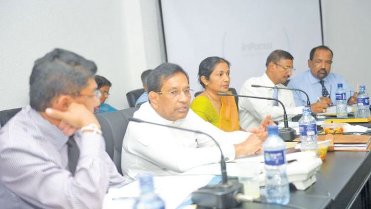 Health Minister Dr. Rajitha Senaratne, Health Services Director General Dr. Anil Jasinghe, Health Ministry Secretary Wasantha Perera and officials during the discussions.