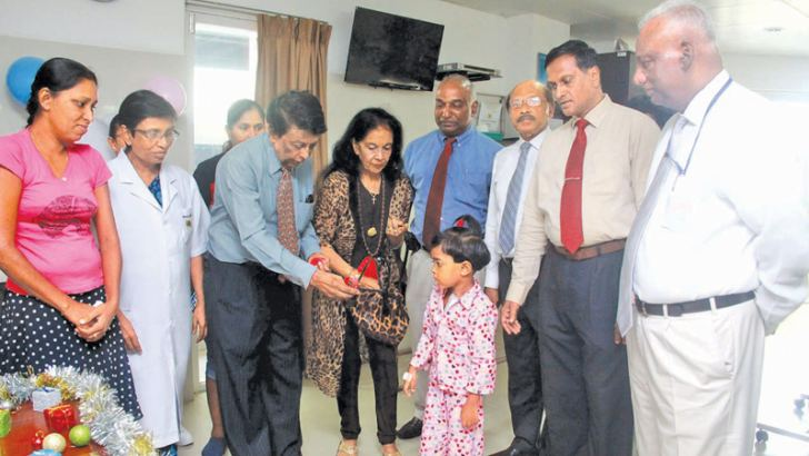 Gift of Life International Chairman Sri Lanka branch, Jay Liyanage, Senior Consultant Cardiothoracic Surgeon, Nawaloka Hospital,  Dr. Santusht Perera and other officials. Picture by Chaminda Niroshana.