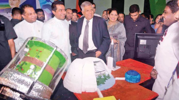 Prime Minister Ranil Wickremesinghe, Non-Cabinet Minister Sujeewa Senasinghe, Colombo Mayor Rosy Senanayake and State Minister J.C. Alawathuwala, at the Shilpa Sena exposition at the BMICH yesterday. Picture by Hirantha  Gunathilaka