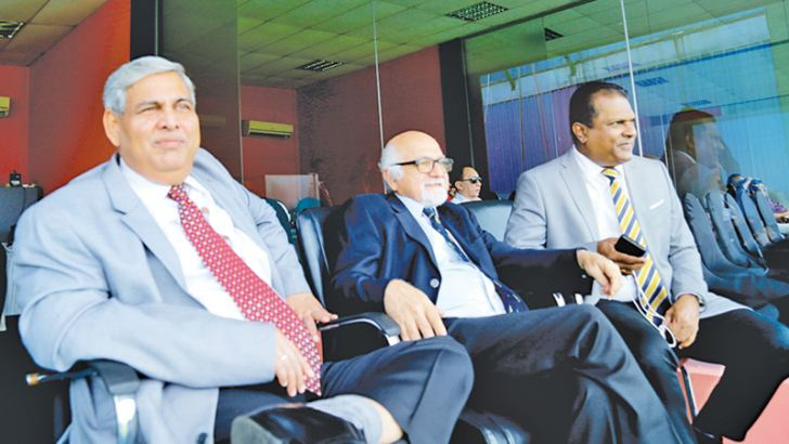 ICC chairman Shashank Manohar and his deputy Imran Khawaja witnessed the second day's play of the ongoing second cricket Test between Sri Lanka and New Zealand at the P Sara Oval with Sri Lanka Cricket president Shammi Silva. The Test series is part of the ICC World Test Championship.