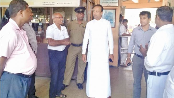 Plantation Industries and Export Agriculture Minister Ramesh Pathirana during his tour of the Galle Railway Station last Saturday. Picture by Mahinda P. Liyanage, Galle Central Special Corr.