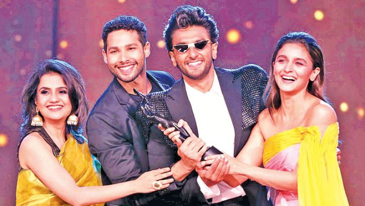 Team 'Gully Boy' is all smiles as they win the award for Best Film