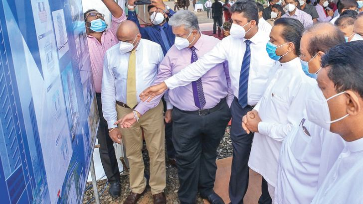 Minister Wimal Weerawansa,State Minister Dr.Nalaka Godahewa and Ministry officials after the ground breaking ceremony.