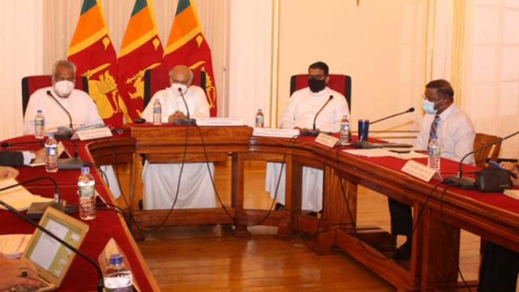 Foreign Minister Dinesh Gunawardane, Minister of Fisheries Douglas Devananda, State Minister for Regional Cooperation Tharaka Balasuriya, and Foreign Secretary Admiral Prof. Jayanath Colombage at the briefing.
