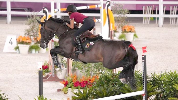 Mathilda Karlsson having an official practice session with her horse Chopin VA