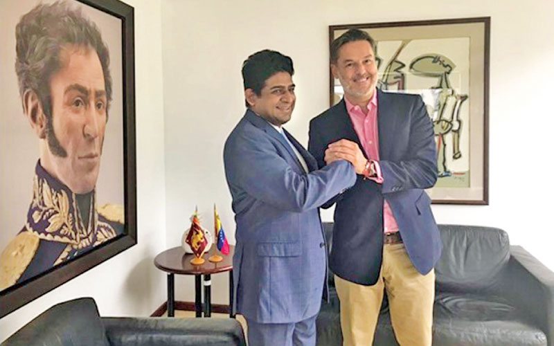 State Minister Vasantha Senanayake with  Minister of Tourism and Foreign Trade of Venezuela,  Félix Plasencia