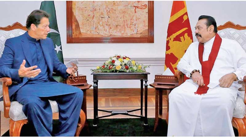 Visiting Pakistani Prime Minister Imran Khan and Prime Minister Mahinda Rajapaksa before they held the bi-lateral meeting at Temple Trees yesterday. Picture by PM's Media Division.