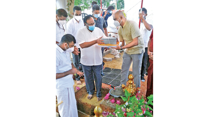Public Security Minister Rear Admiral Dr. Sarath Weerasekara laying the foundation stone.