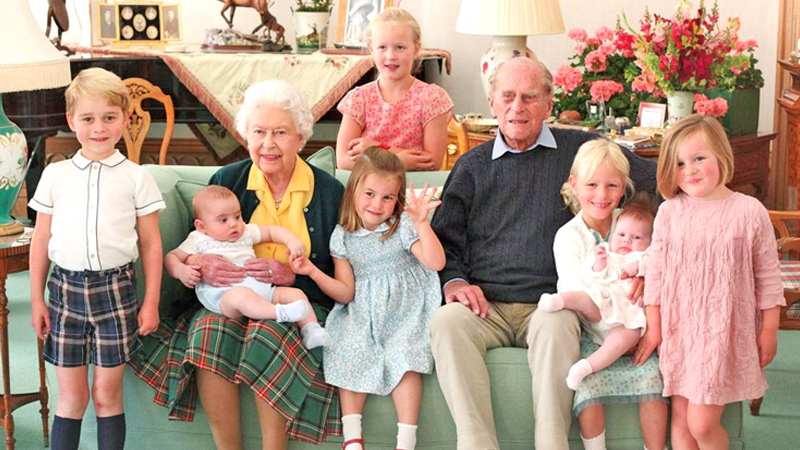 Queen Elizabeth and Prince Philip with seven of their great grandchildren.